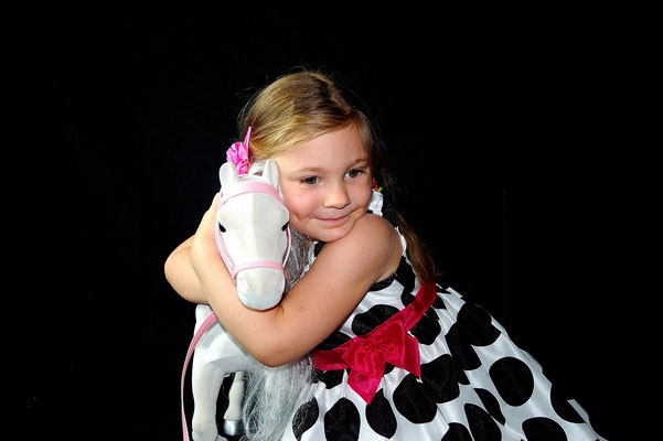 Kids, family, birthday photo session. Studio and park. Gosia & Steve Tudruj  215-837-6651   www.momentsinlifephoto.com Servis PA. NJ. NY, FL