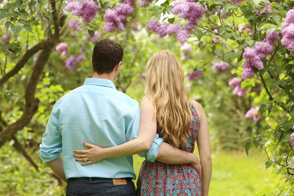 Spring and engagement photo session. Photographer Gosia & Steve Tudruj Servis Pa, NJ, NY 215-837-6651 www.momentsinlifephoto.com Specializing in wedding photography, event, portrait