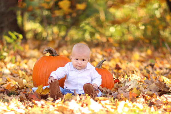Baby and pumpkin photo session. Happy Halloween . Philadelphia  Halloween Photographer.  Family , children, newborn, maternity, events Photographer PA, NJ, NY Gosia and Steve Tudruj 215-837-6651 www.momentsinlifephoto.com