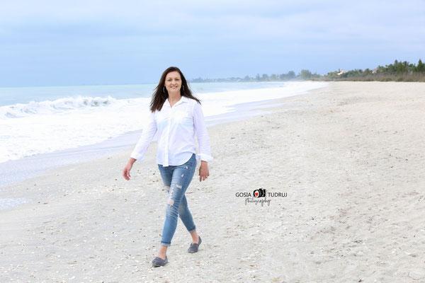 Women.  Ocean. Vacation time.  Beach photo session. Photographer Florida. Malgorzata Tudruj 215-837-6651 www.momentsinlifephoto.com Specializin portrait, event, wedding.