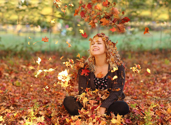 Fall photo shot .  Fall photo session. Photographer PA, NJ, NY Gosia and Steve Tudruj 215-837-6651 www.momentsinlifephoto.com #Fall#photo#shot#images#session#family#kids#women#photographer#