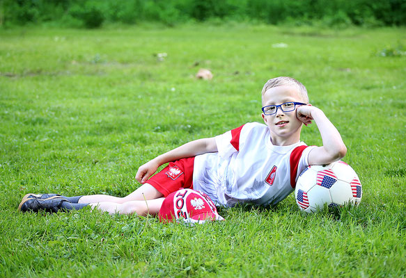 Boy photo session. Football photo sesion.  Photographer PA, NJ, NY, FL Malgorzata Tudruj 215-837-6651 www.momentsinlifephoto.com