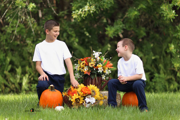 Florida. Fall photo session. Boys photo session outdoor. Kids photo shot in the park.  Photographer Port St. Lucie Florida.  Malgorzata & Steve Tudruj  215-837-6651   Photography servise Fl, NJ, PA, NY www.momentsinlifephoto.com