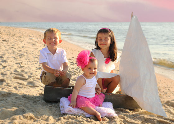 Kids in the beach. Beach photo sessions . Sessions start from June to September. If you are interested, please message me. Photographer - Gosia & Steve Tudruj 215-8376651 www.momentsinlifephoto.com