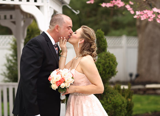 Professional wedding photographers  Gosia & Steve Tudruj 215-837-6651 Photographer PA, NJ, NY, MD, DE Specializing in wedding photography#www.momentsinlifephoto.com#wedding#photographer#WashingtonCrossingInn#