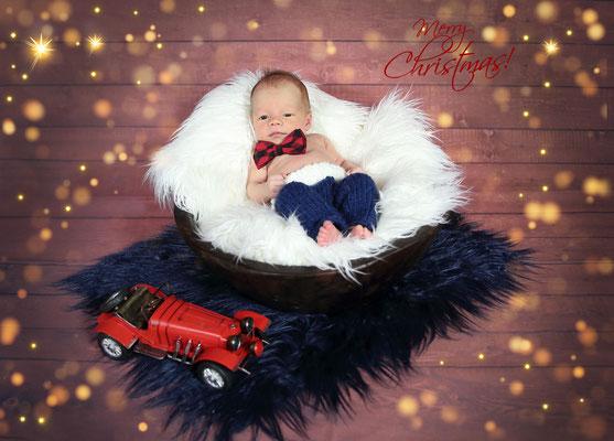 Newborn Photographer . Christmas time. Baby. Maternity photo session at home and studio. Photographer Gosia & Steve Tudruj  215-837-6651 Services PA, NJ, NY. www.momentsinlifephoto.com