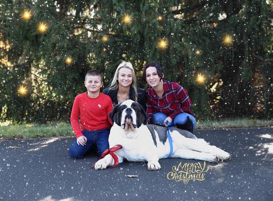 Holidays time. Christmas photo session outdoors. Kids. Family. Dogs pictures.  Photographer Port St. Lucie Florida. Malgorzata & Steve Tudruj 215-837-6651 www.momentsinlifephoto.com