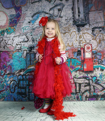 Kids Photo shot. Birthday photo session. Children photography. Birthday photo session. Photographer Gosia & Steve Tudruj  215-837-6651   www.momentsinlifephoto.com Servis PA. NJ. NY Servis Pa and Bucks County PA. NJ.