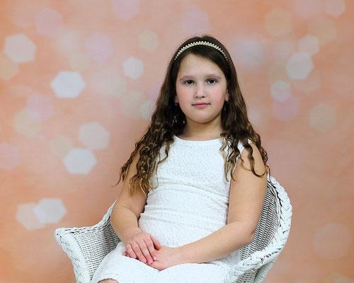 Kids Photo shot. Children photography. Birthday, events, party photo session. Photographer Gosia & Steve Tudruj  215-837-6651   www.momentsinlifephoto.com Servis PA. NJ. NY Servis Pa and Bucks County PA. NJ.