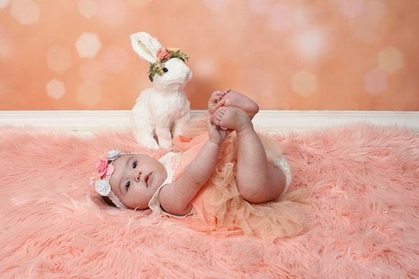 Newborn photo shoot. Baby girl photo session. Servis PA, NJ, NY, FL. Photographer Gosia Tudruj 215-837-6651 www.momentsinlifephoto.com  Specializing in portrait, event, wedding photography.