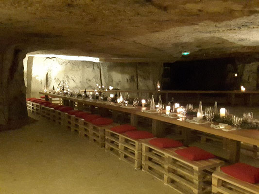 location-caves-trogo-reception-mariage-chateau-Vallee-Loire-animation-oenologie-degustation-vin