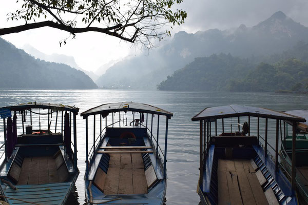 Lac Ba Be - Vietnam