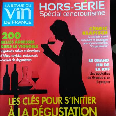 article-revue-du-vin-de-france-visite-vignoble-cave-degustation-oenologie-amboise-vouvray-tours-val-de-loire-Rendez-Vous-dans-les-Vignes-Myriam-Fouasse-Robert