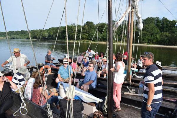 sortie-insolite-Vallée-Loire-Amboise-Chaumont-balade-bateau-degustation-vins-Rendez-Vous-dans-les-Vignes