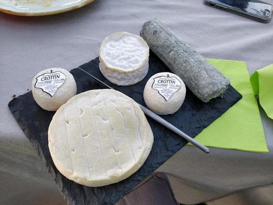 fromages-chevre-Vallee-Loire-Touraine-produits-locaux-terroir-degustation-vin-Rendez-Vous-dans-les-Vignes