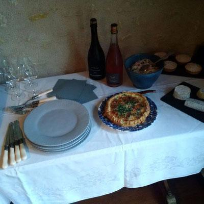 degustation-oenologique-mets-locaux-vins-de-Loire-chambre-d-hotes-gîtes-Touraine-Vouvray-Rendez-Vous-dans-les-Vignes-Myriam-Fouasse-Robert