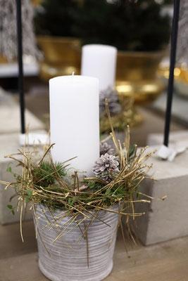 weihnachtsgestecke 2015 teil ii fachgro handel f r floristikbedarf deko wohnaccessoires. Black Bedroom Furniture Sets. Home Design Ideas