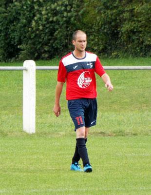 Mathias Broutin double buteur de la tête