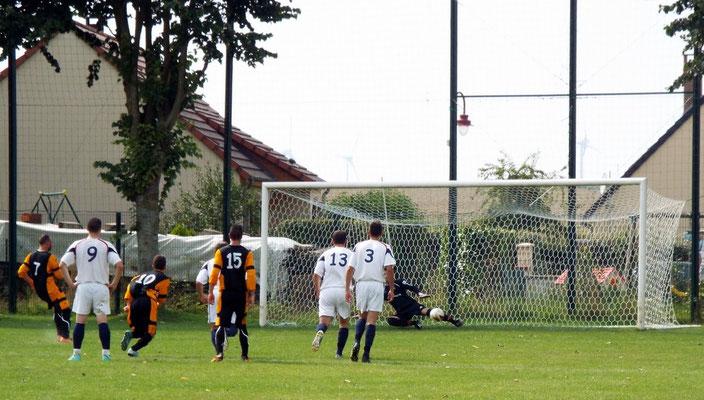 30ème : pénalty pour Vismes; le ballon ne passe pas loin de notre portier Clément Quillet