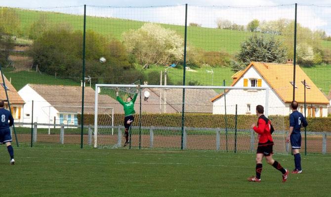 6ème : l'AS2A souffre durant ces premières minutes de jeu; claquette de Clément Quillet