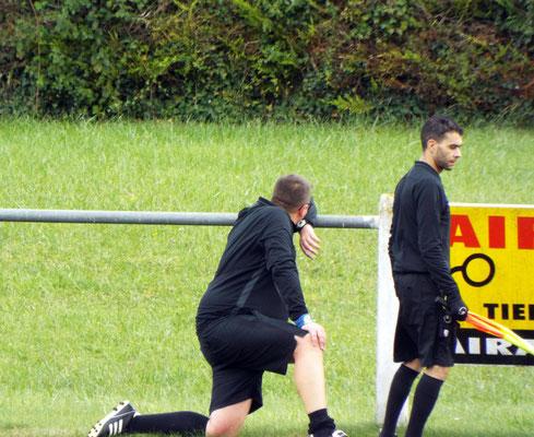 17ème : l'arbitre assistant se blesse ; il est remplacé par un dirigeant gamachois