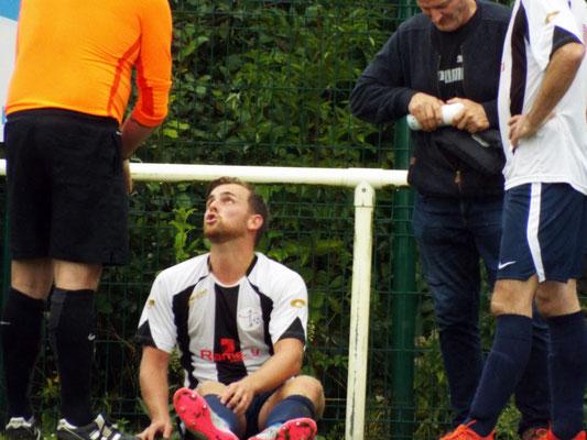 Bastien Cagny malmené tout au long de la rencontre a craqué en toute à la fin avec son exclusion après 2 cartons jaunes