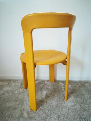 Suite de 6 chaises jaunes Bruno Rey