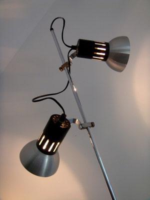 lampadaire métallique vintage