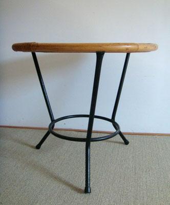 Table chevet tripode métal rotin