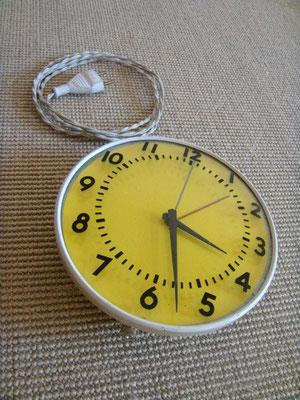 Horloge d'atelier vintage