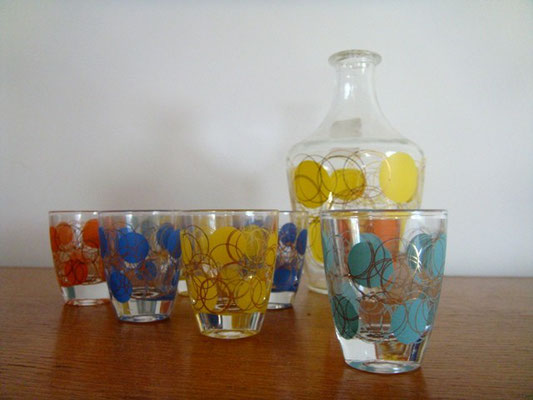 Carafe et verres à liqueur vintage