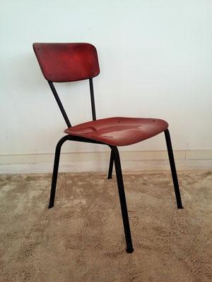 Chaises et fauteuils fibre de verre années 50