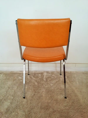 Chaise chrome skaï moutarde vintage