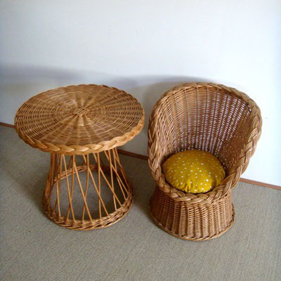 Ensemble rotin table et fauteuil diabolo vintage