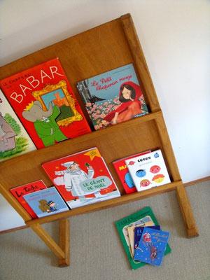 Présentoir à livres / porte revues vintage