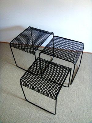 tables gigognes métalliques vintage