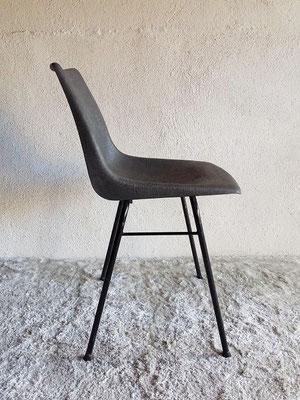 chaise coque plastique vintage muros design et vintage en bourgogne. Black Bedroom Furniture Sets. Home Design Ideas