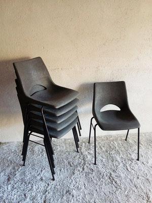 Chaise coque vintage
