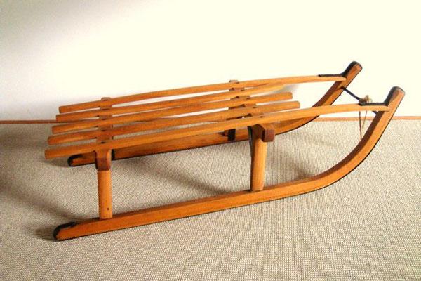 luge en bois vintage muros design et vintage en bourgogne. Black Bedroom Furniture Sets. Home Design Ideas
