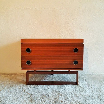 Petite commode vintage