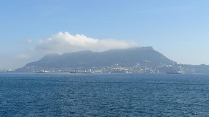 Nous longeons la presqu'île de Gibraltar