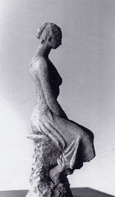 Femme sur tabouret - Terre cuite rouge - 35x20 cm (SCP26) vendu