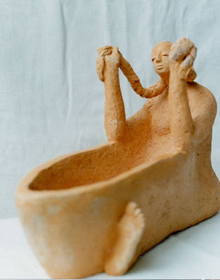 Femme aux tresses - coupe - Terre cuite rouge - 20x37 cm (SCO10)