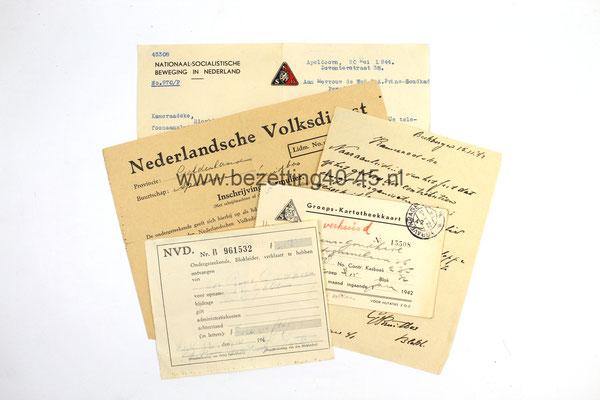 Documenten groep van een NSB lid, lidmaatschap kaarten en documenten. - Dutch NSB Group Document Grouping.