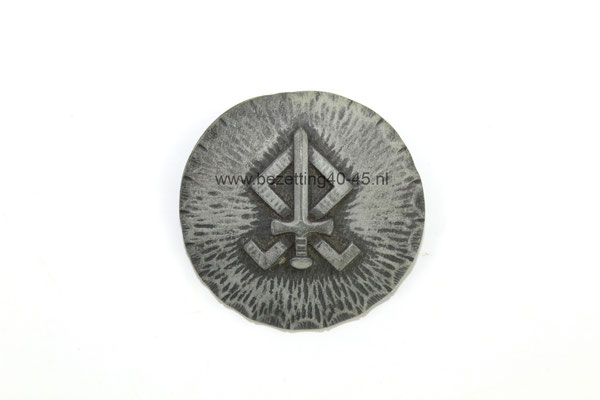 Speld / Broche van de Germaansche Landdienst.  Diameter 40 mm.