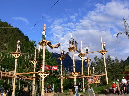 © Ötztaler Outdoorsports GmbH Photograf - Bildbeschreibung Ötztal, Sautens, Hochseilgarten, Sommer