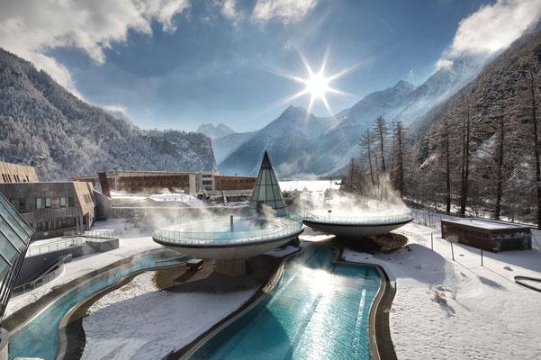 © Aqua Dome Photograf - Bildbeschreibung Aqua Dome – Tirol Therme Längenfeld, Wellness, Ruhe, Erholung, Entspannung, Schwimmen, Aussenansicht