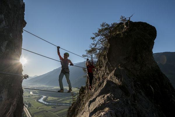 © Ötztal Tourismus Photograf Bernd Ritschel Bildbeschreibung Ötztal, Haiming, Klettersteig Geierwand, Klettern, Sommer