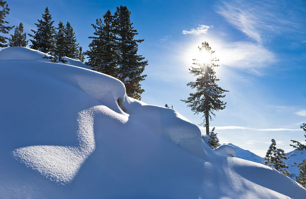 © Ötztal Tourismus Photograf Rudi Wyhlidal Bildbeschreibung Oetz, Landschaft, Winter, Bäume, Schnee, Wolken, Sonne