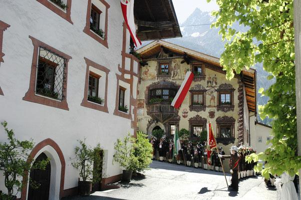 © Ötztal Tourismus Photograf Howdy Bildbeschreibung Ötztal, Region Oetz, Tradition, Musikkapelle, Kirchtag, Sommer